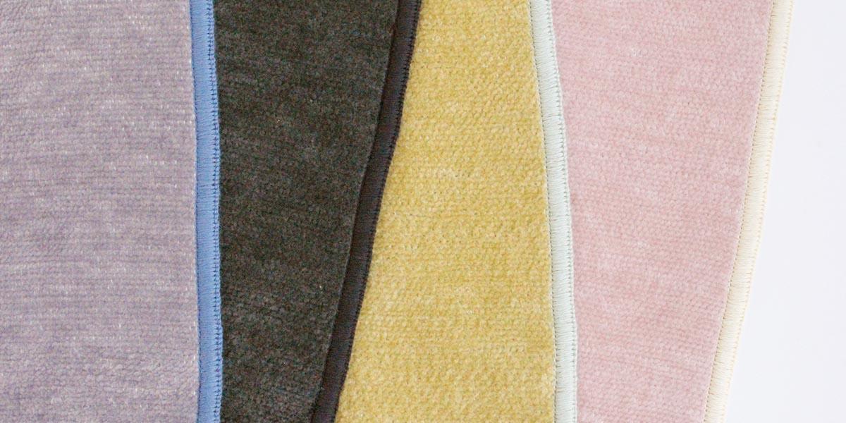 ハンカチ専門店 H TOKYO のシェニール織りタオル