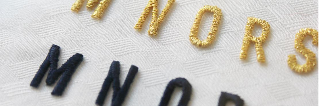 ご好評いただいておりますワッペンに今回新たにアルファベット刺繍ワッペンが加わりました。