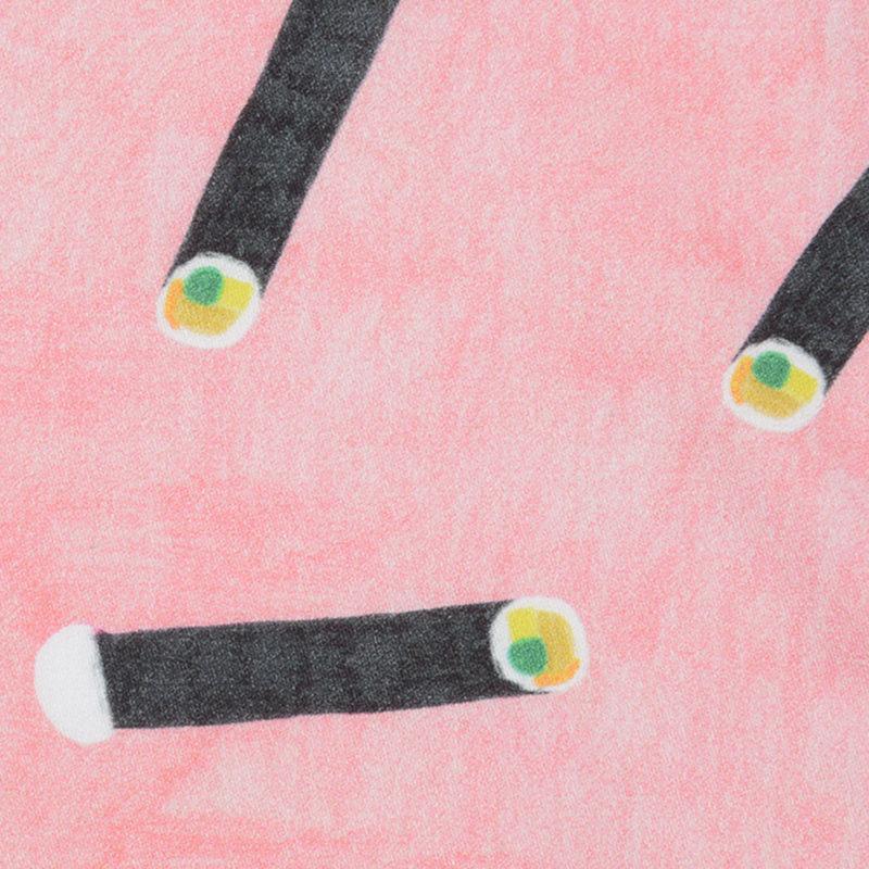 ちょびっとシャリが飛び出した様子も愛おしい恵方巻柄のハンカチ。 障害のある人がアートを仕事にできる環境をつくることを目的に設立されたAAC所属アーティストの作品。