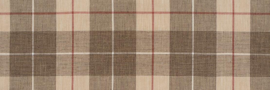 吸水性のよいコットンリネン生地のハンカチ。 起毛感を感じるしっかりとした厚みのある一枚。  サイズ46×46cm、綿86%、麻14%、チドリ縫製、日本製。