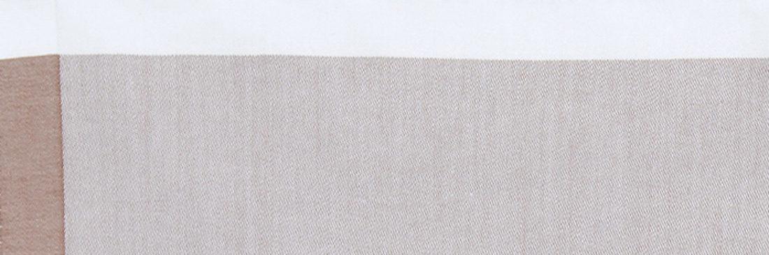 織りでフレームの切替を出したH TOKYOオリジナルのジャガードハンカチ。  千鳥縫製。サイズ40×40cm、綿100%、日本製。