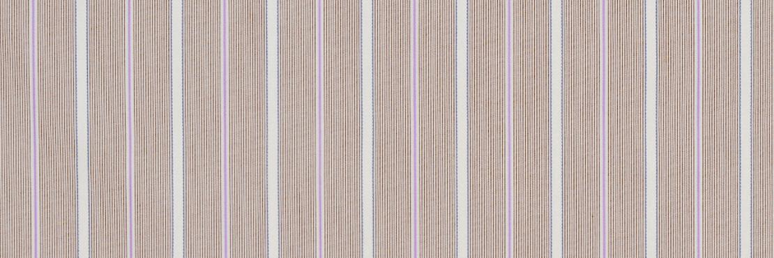 ドビー織のストライプ柄が上質感のあるハンカチ。 ハリのあるパリッとした生地感です。 サイズ46×46cm、綿100%、チドリ縫製、日本製。